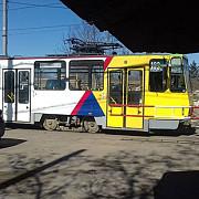 oferim calatorii cu autobuze cu un grad de uzura de 300 dar cerem tarife majorate pentru transportul in comun