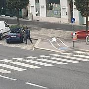 roman arestat la viena dupa ce a vandalizat un autoturism si a amenintat politisti cu un cutit
