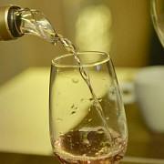 cand si de ce se pune sare in paharul de vin