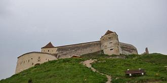 cetatea rasnov file de istorie