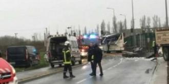 trei romani au murit intr-un accident rutier in franta altii patru au fost raniti