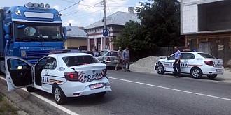 trei masini noi de politie s-au lovit una de alta