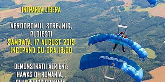 ziua portilor deschise la aerodromul din strejnicincepe campionatul european si cupa mondiala de parasutism