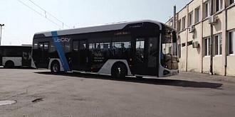 primul autobuz electric 100 romanesc produs la baia mare a fost deja testat in patru orase din tara