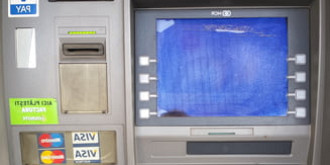 bancomat aruncat in aer de hoti
