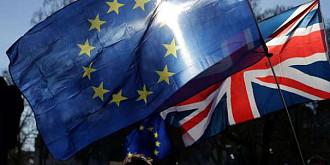 marea britanie le ofera stimulente financiare cetatenilor ue pentru a parasi regatul unit