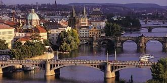 premierul miliardar din cehia aplica cea mai mare reducere de impozit pe venit din istoria moderna a tarii pentru a impulsiona consumul si revenirea economiei
