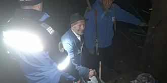 foto video operatiune de salvare la cheia marti noapte in zona gropsoarele coltii zaganului
