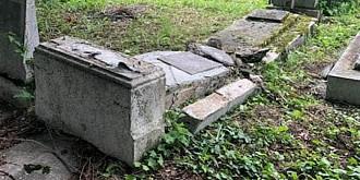 persoane necunoscute au vandalizat cimitirul evreiesc din ploiesti