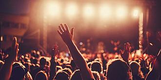 1000 de oameni testati pozitiv cu covid dupa un festival de muzica din olanda