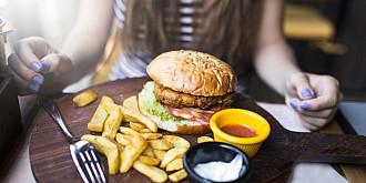 recomandari anpc pentru cei care mananca fast-food dupa neregulile gasite intr-un mall din bucuresti