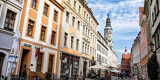 cazare gratuita in orasul unde s-a filmat inglourious basterds oferta unui primar roman din germania