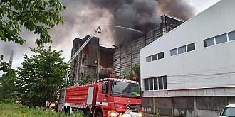 arde din nou la ecoburn brazi incineratorul de deseuri periculoase din prahova