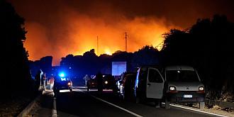 sardinia incendii de vegetatie violente italia a solicitat statelor europene sa intervina urgent cu avioane specializate pentru stingerea acestora