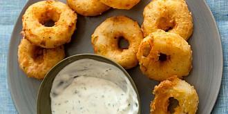 inele de cartofi cu sos de iaurt