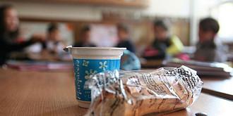 cornul si laptele vor putea fi luate de parinti de la scoala ce se intampla cu produsele daca le refuza