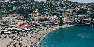 grecia ridica de luni restrictiile de carantina pentru turistii vaccinati sau cu teste negative din mai multe tari precum rusia si australia
