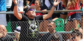 de ce diego maradona purta mereu doua ceasuri si ce a facut cand si-a vazut colegul cu un fake la mana