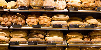 cate calorii contine fiecare tip de paine si care este cea mai buna pentru dieta