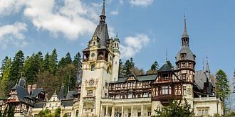 doua dintre cele 13 terase ale castelului peles vor fi restaurate si consolidate