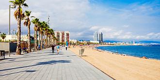 o plaja plina cu turisti evacuata o bomba a fost descoperita in mare
