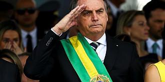 brazilia comisia parlamentara care ancheteaza gestionarea pandemiei l-a invinuit pe presedintele tarii de crime impotriva umanitatii in urma unei reincadrari a acuzatiilor