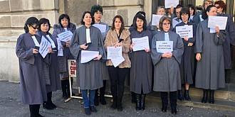 grefierii in greva pentru pensiile speciale nu lucreaza luni si marti