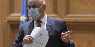 arafat nimeni nu va fi impiedicat sa voteze daca cineva nu vrea sa poarte masca in interiorul sectiei inseamna ca risca viata celor din jur presedintele comisiei va trebui sa respecte legislatia si sa nu permita intrarea in sectie