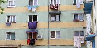 amenda pentru rufele intinse in balcon