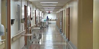 mort cu zile un tanar in varsta de 25 de ani a fost plimbat prin 4 spitale si nu a fost operat dsp a demarat o ancheta