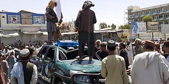 talibanii le-au interzis femeilor sa mai iasa din casa