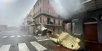 sua orasul new orleans a ramas complet fara electricitate din cauza uraganului ida in continuare sunt afectate peste 750 de mii de familii din intreg statul louisiana unde joe biden a declarat stare de dezastru major