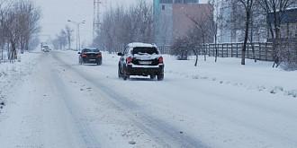 cnadnr soferii trebuie sa-si echipeze masinile de iarna si adapteze viteza la conditiile meteo