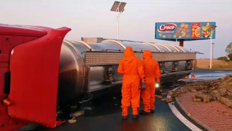 Cisterna cu 30 de tone de combustibil, implicata intr-un accident la Busteni