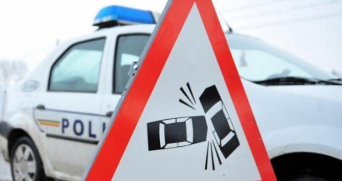 zece persoane intre care patru copii ranite intr-un accident produs pe dn1 in prahova