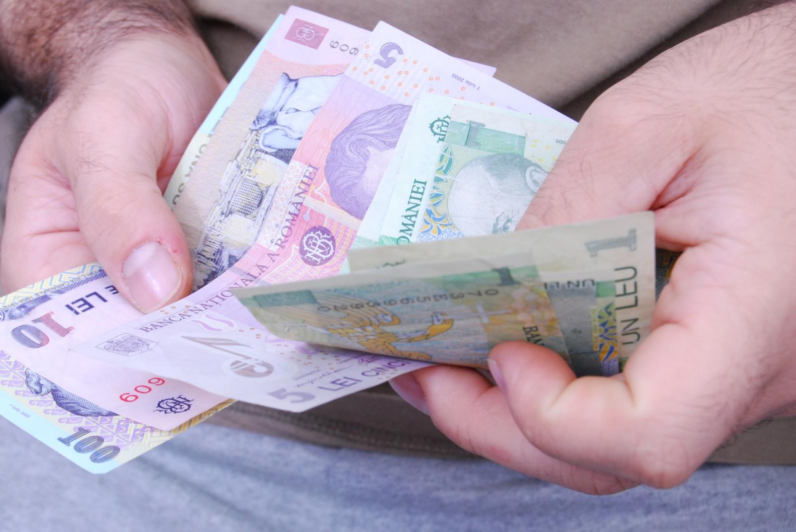opțiuni binare cu un depozit de 10 USD)